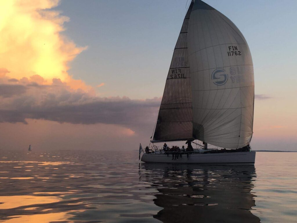 Superyellow sailing team